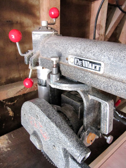 90 red balls beginner's guide to old dewalt radial arm saw restoring an amf  at panicattacktreatment.co